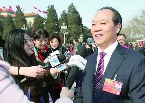 上海检验检疫局局长徐金记在政协十二